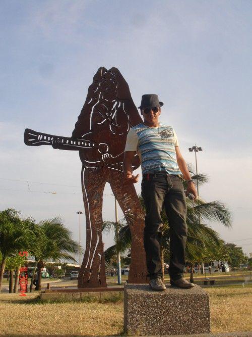 Fotolog de elmorenaxo: Monumento A Shakira,barranquilla Colombia